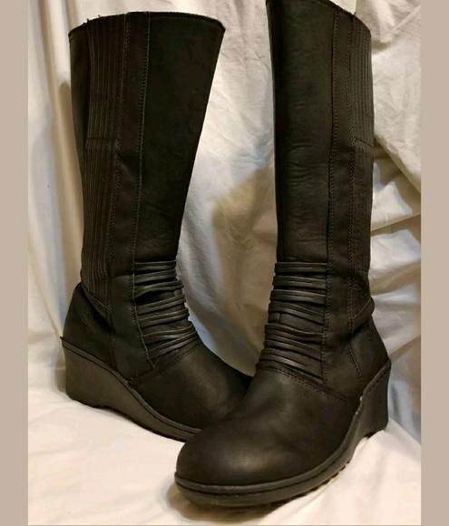 2b46a6c62406 Keen Shoes - Keen Zurich tall knee boots 8.5 M black wedge heel